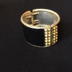 Bangle enamel bracelet
